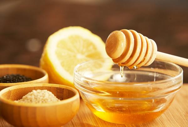 seme koprive med i limun